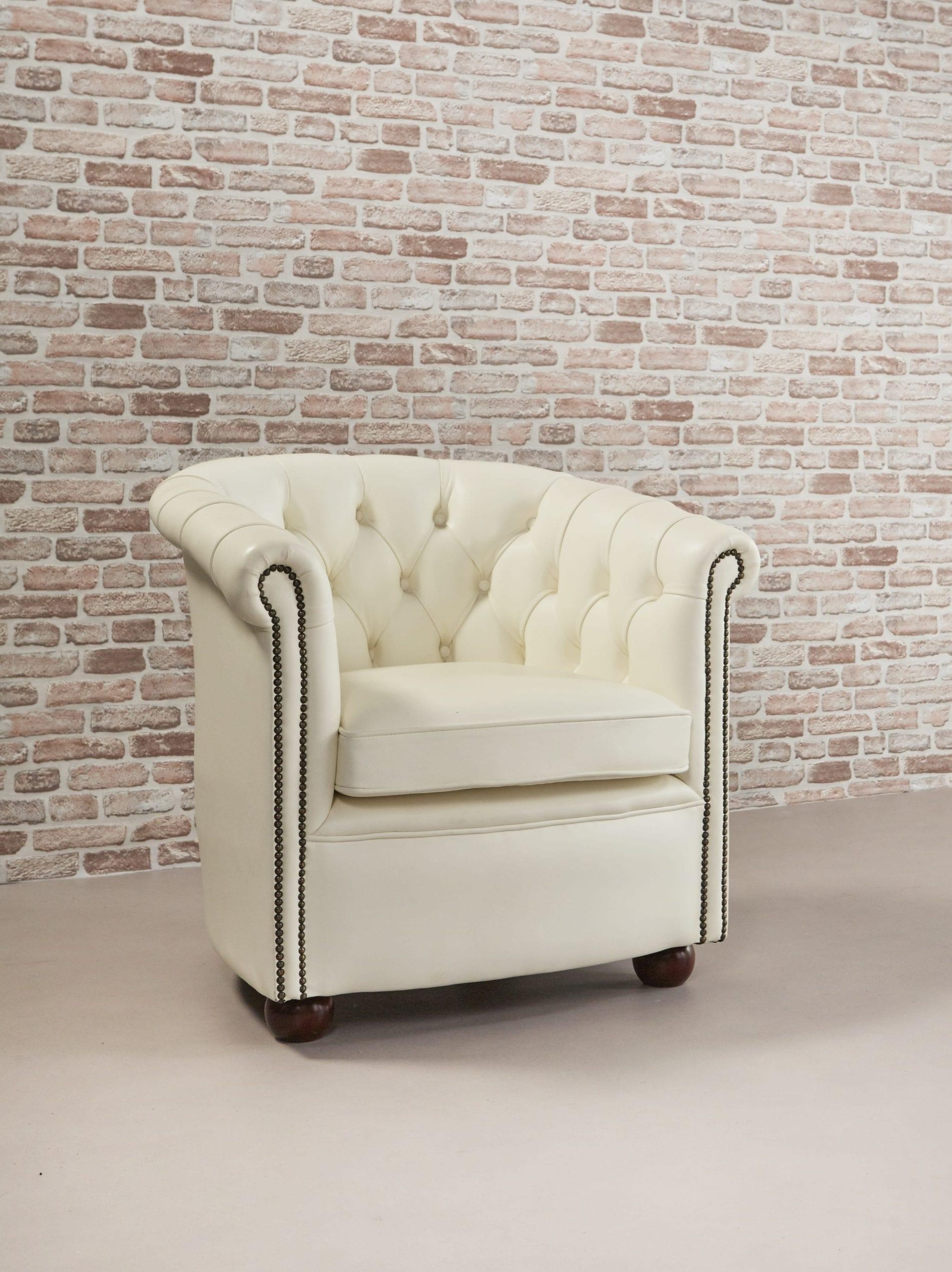 Delta-chesterfield-traditioneel-tub-chair-byran-magnolia-white-zijaanzicht-rechts